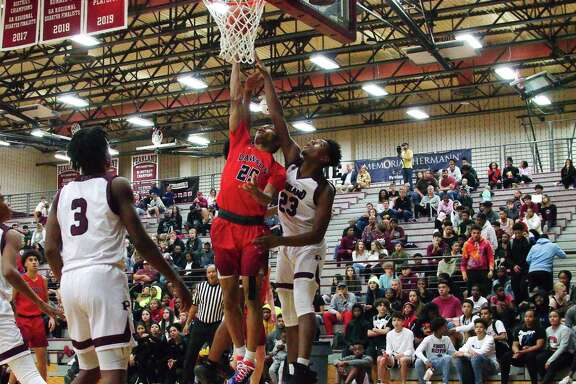 Dawson's Conlie Christmas (25) and the Eagles, shown in action earlier this season against Pearland, didn't have any answers for Alief Hastings in a 68-49 loss Tuesday night.