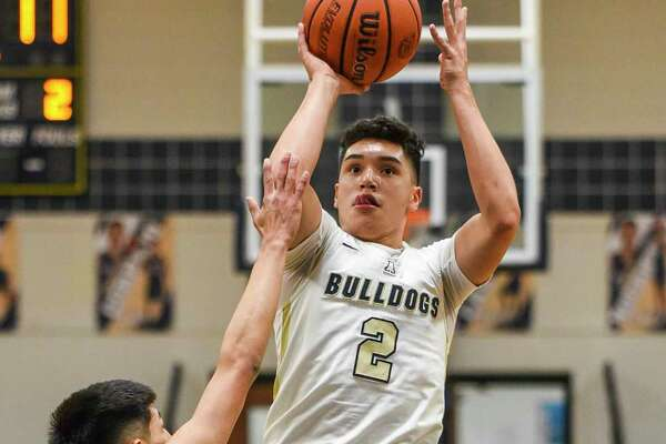Bobby Torres scored 20 points in Alexander's 71-52 win over LBJ on Tuesday.