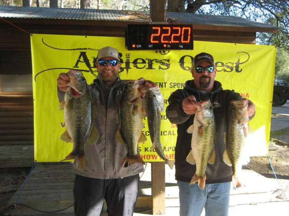 Cody Hall and Garrett Pierce won first place in the Anglers Quest No. 1 Team Tournament with a total stringer weight of 22.20 pounds. Photo: Anglers Quest