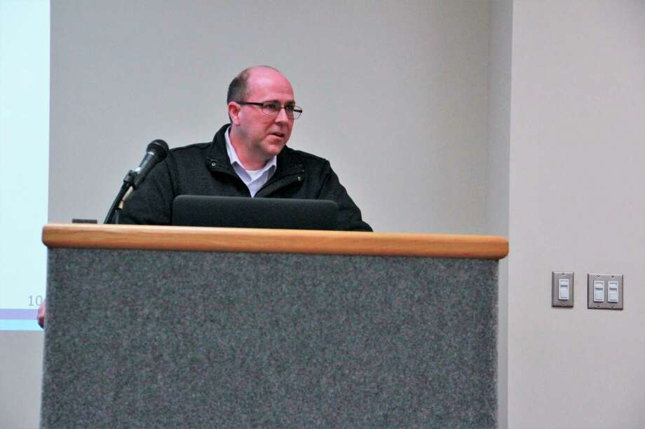 Republic Services NM municipal manager Matt Biolette addresses issues regarding recycling in the area brought up by the Big Rapids City Commission Tuesday. According to Biolette, Republic Services is working to improve recycling in the city and are considering extra pickup days next year.(Pioneer photo/Alicia Jaimes)