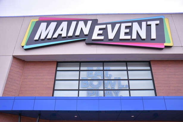 Laredo's newest family entertainment center, Main Event, is set to open soon at Mall del Norte.