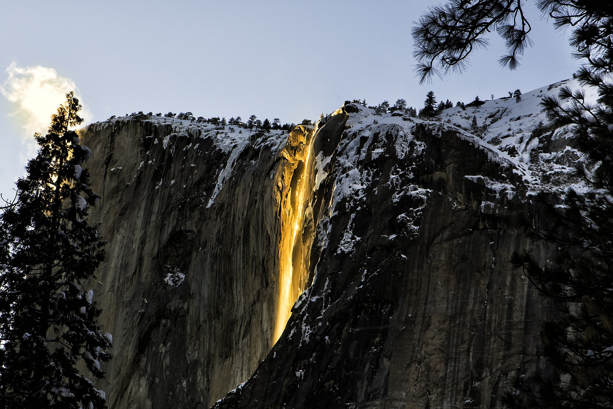 Yosemite's spectacular 'firefall' looks like a no-show this year