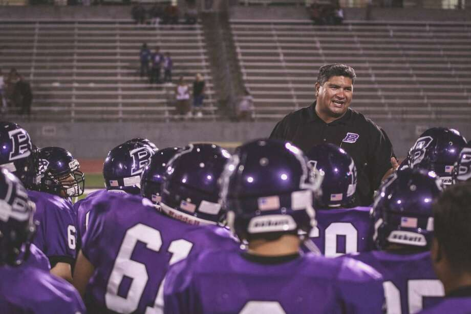 Chris Castillo address his team at Dallas Sunset, where he was the head coach from 2016 to 2018. Castillo has been hired as head football coach at Highlands. Photo: Courtesy Photo/HDavid Garcia