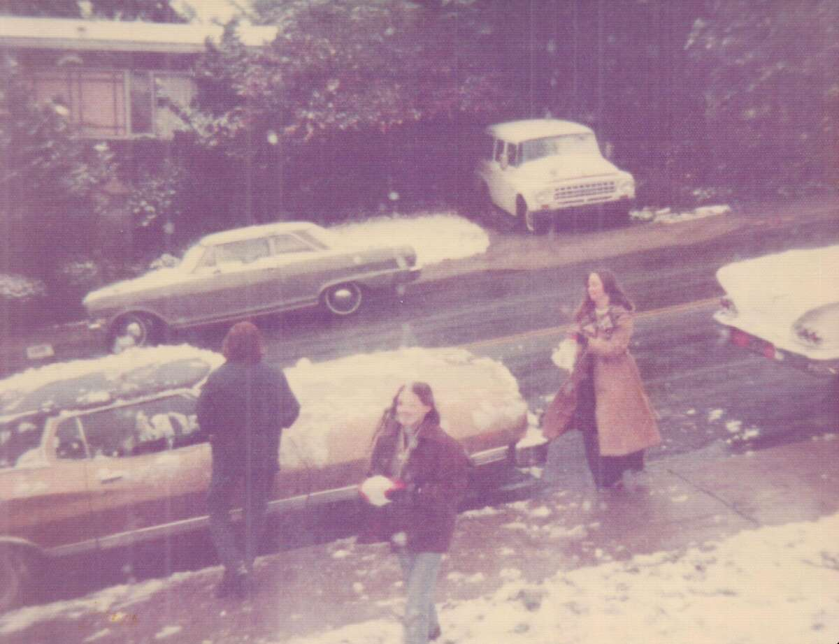 Snow falls in Pacifica on Crespi Drive during the Feb. 5, 1976 snowstorm in the Bay Area.