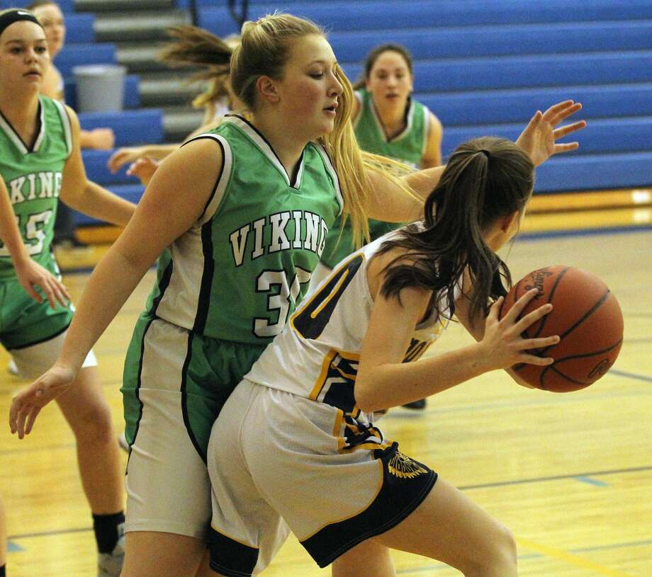 The North Huron girls basketball team notched its fifth wiin of the season with a 48-28 win over visiting Akron-Fairgrove on Thursday, Jan. 23, 2020. Photo: Mark Birdsall/Huron Daily Tribune