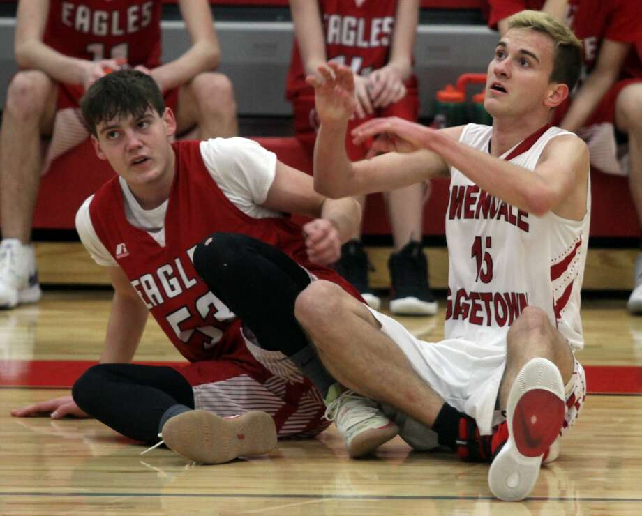 The Caseville boys basketball team cruised to a 41-26 victory over Owendale-Gagetown on the road on Thursday, Jan. 23. Photo: Eric Rutter/Huron Daily Tribune