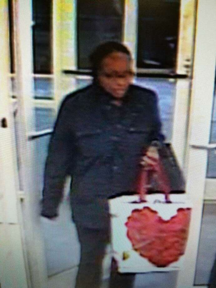 Hamden police have released photos of two suspects in a recent shoplifting at an Old Navy. Photo: Hamden Police Department / Contributed