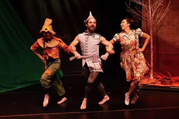 """A scene from Open Dance Project's """"The Wonderful Wizard of Oz,"""" choreographed by Annie Arnoult."""