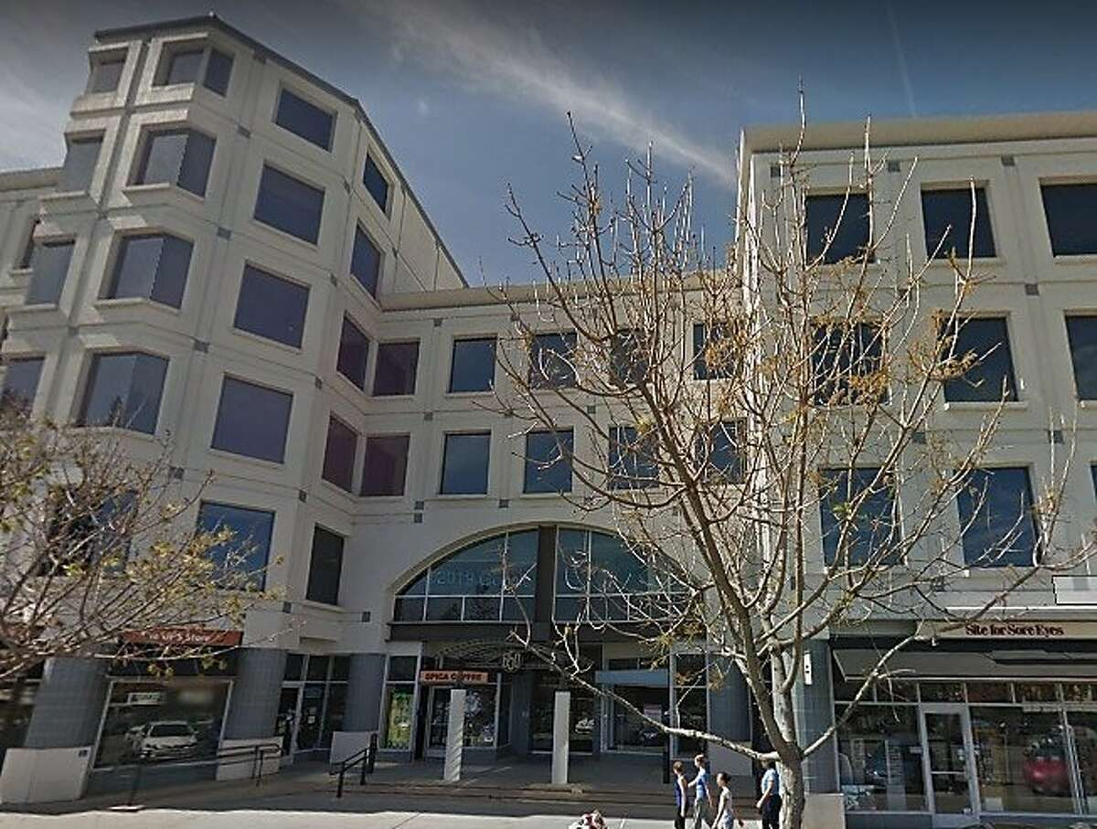 Quora's offices at 650 Castro Street in Mountain View, captured by Google Street View in March 2014.