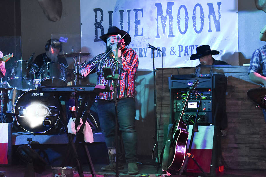 In this file photo, the Kin Faux Band performs at Blue Moon. Photo: Diana Garro/Laredo Morning Times