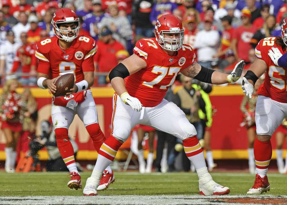 Offensive guard Andrew Wylie #77 of the Kansas City Chiefs, a graduate of Midland High School, drops back to pass block against the Minnesota Vikings during the first half at Arrowhead Stadium on November 3, 2019 in Kansas City, Missouri. (Photo by Peter G. Aiken/Getty Images) Photo: (Peter G. Aiken/Getty Images)