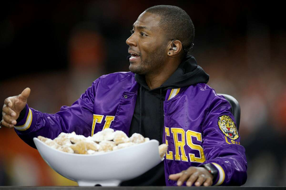 """ESPN's Ryan Clark: The 2-0 49ers are """"pretenders"""" After the 49ers opened the season with double-digit wins over the Tampa Bay Buccaneers and Cincinnati Bengals, it would have been fair to say, """"The 49ers look impressive, but I'd like to see what happens when they play a good team."""" Instead, Clark went with, """"They are pretending. They are faking us out. They are imitators, pretenders, whatever you want to say. They are not the real deal at 2-0."""" Oops."""