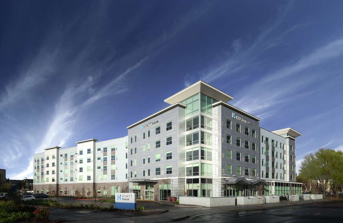 A brand new Hyatt House hotel just opened by Mineta San Jose International Airport