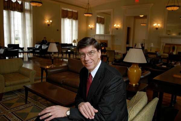 """FILE -- Clayton Christensen at Harvard Business School in Cambridge, Mass., Dec. 21, 2006. The Harvard professor whose groundbreaking 1997 book, """"The Innovator's Dilemma,"""" catapulted him to superstar status as a management guru, died on Jan. 23, 2020, at a hospital in Boston. He was 67. (Jodi Hilton/The New York Times)"""