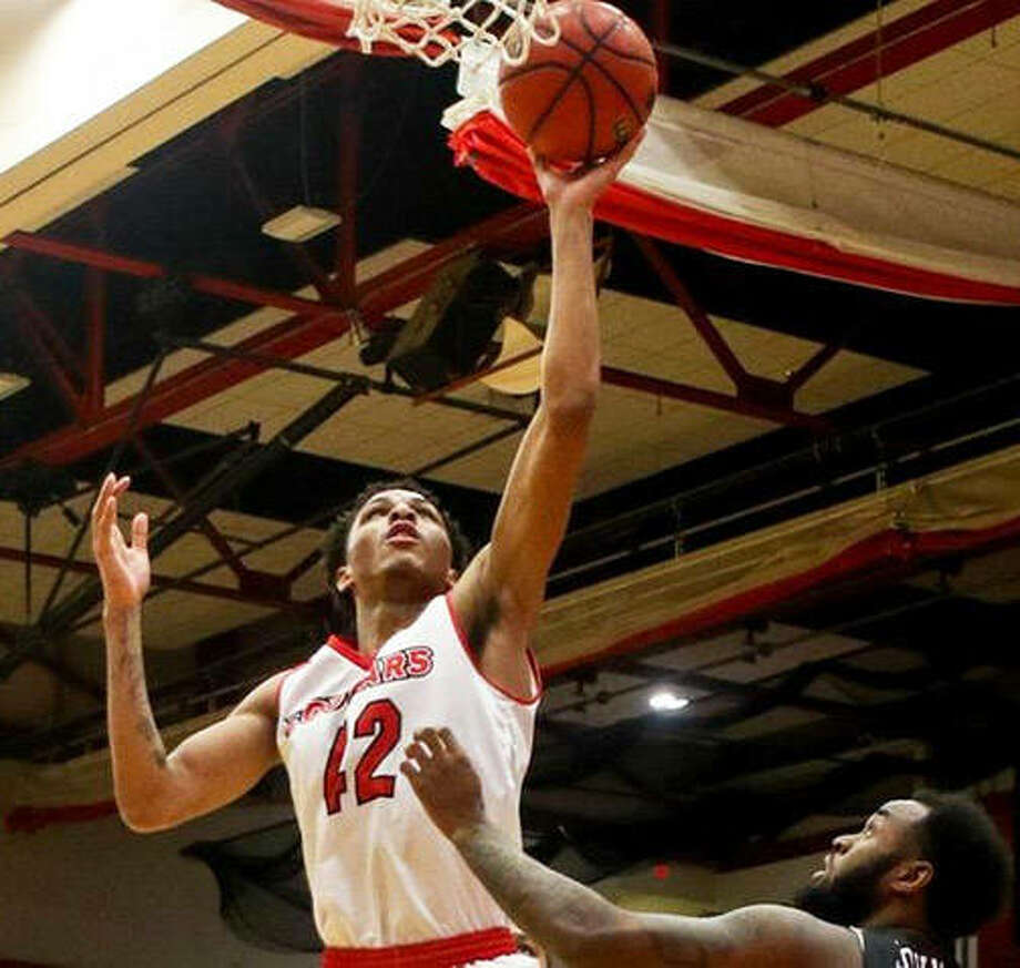 SIUE's Shamar Wright scored 18 points, but it was not enough for the Cougars to get past UT Martin in an OVC men's basketball game Saturday at First Community Arena in Edwardsville. Photo: SIUE Athletics