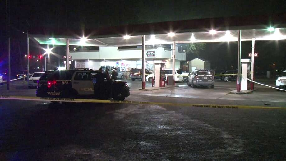 A man was fatally shot Saturday night at a convenience store in northwest Houston, authorities said. Photo: On Scene