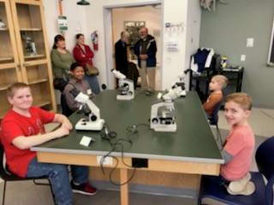 Young Explorers Club members met in the Parker Science Building at Illinois College. Photo: Allen Yow