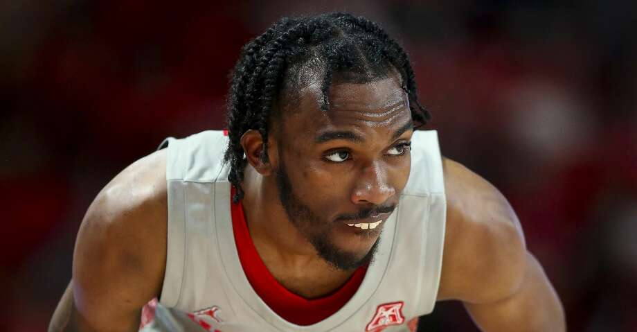 Houston Cougars guard DeJon Jarreau (3) rolls up his shorts during a free-throw against the South Florida Bulls during the second half of an NCAA game at the Fertitta Center Sunday, Jan. 26, 2020, in Houston. Photo: Godofredo A Vásquez/Staff Photographer