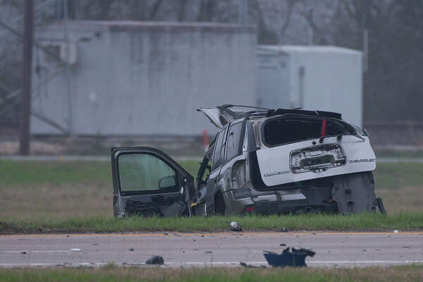 Lawrence Hall Chevrolet >> Driver Dead After Running Stop Sign Crashing Into 18