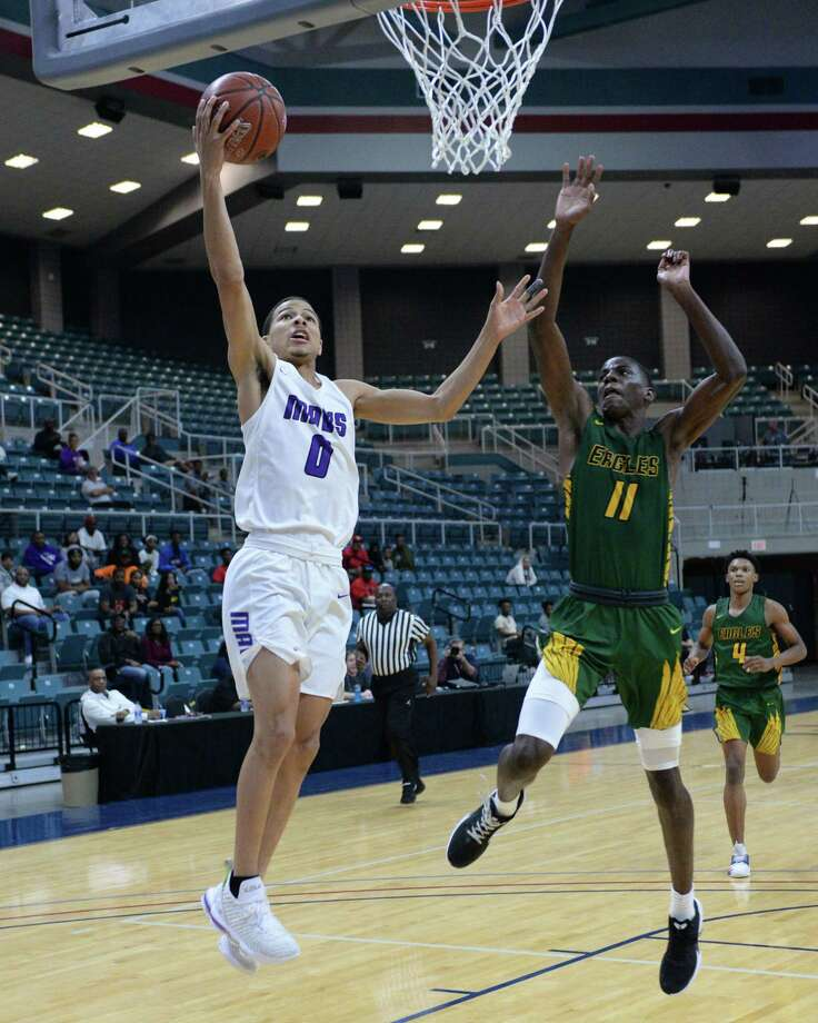Westley Sellers (0) of Morton Ranch attempts a lay-up during the second half of the Gold Bracket championship game in the Katy Classic Basketball Tournament between the Morton Ranch Mavericks and the Klein Forest Golden Eagles on Saturday, December 7, 2019 at the Leonard Merrell Center in Katy, TX. Photo: Craig Moseley, Houston Chronicle / Staff Photographer / ©2019 Houston Chronicle