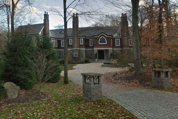 A home at 119 Proprietors Crossing in New Canaan, Connecticut sells for $3,995,000.