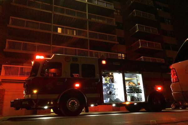 Hamden firefighters extinguished a blaze at the Broadmoor Apartments on Mix Avenue Monday.