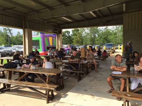 Bakfish Brewing , 1231 E. Broadway Here's where Pearland residents go for delicious brews, food truck treats, a fun patio atmosphere and events like yoga, running clubs and trivia nights.
