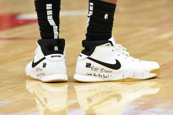 A detail shot of San Antonio Spurs forward DeMar DeRozan (10) shoes that honor Kobe Bryant during the second half of an NBA basketball game Monday, Jan. 27, 2020, in Chicago. (AP Photo/David Banks)