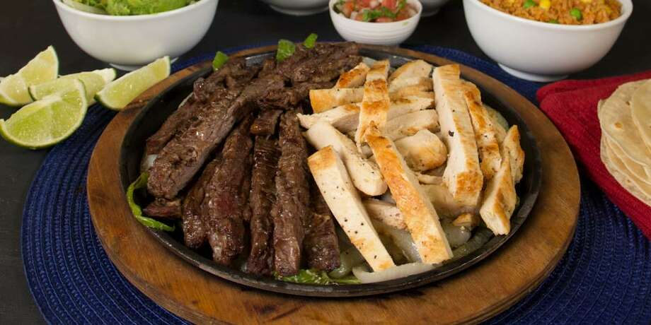 This Sunday from 3 to 9 p.m., Taco Palenque will be offering a special 50 percent discount on their parrilladas through their new app. Photo: Tacopalenque.com