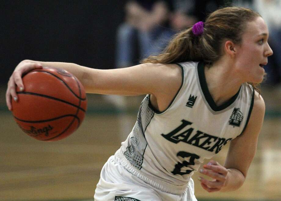 The Laker girls basketball team picked up its first win of the season on Thursday night with a 33-31 victory over Vassar. Photo: Mark Birdsall/Huron Daily Tribune