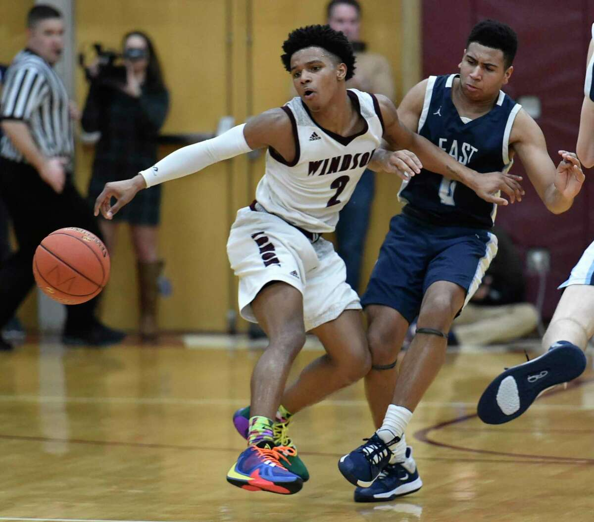 Windsor's Corey McKeithan scored 34 and 36 points in a pair of wins over Bloomfield.