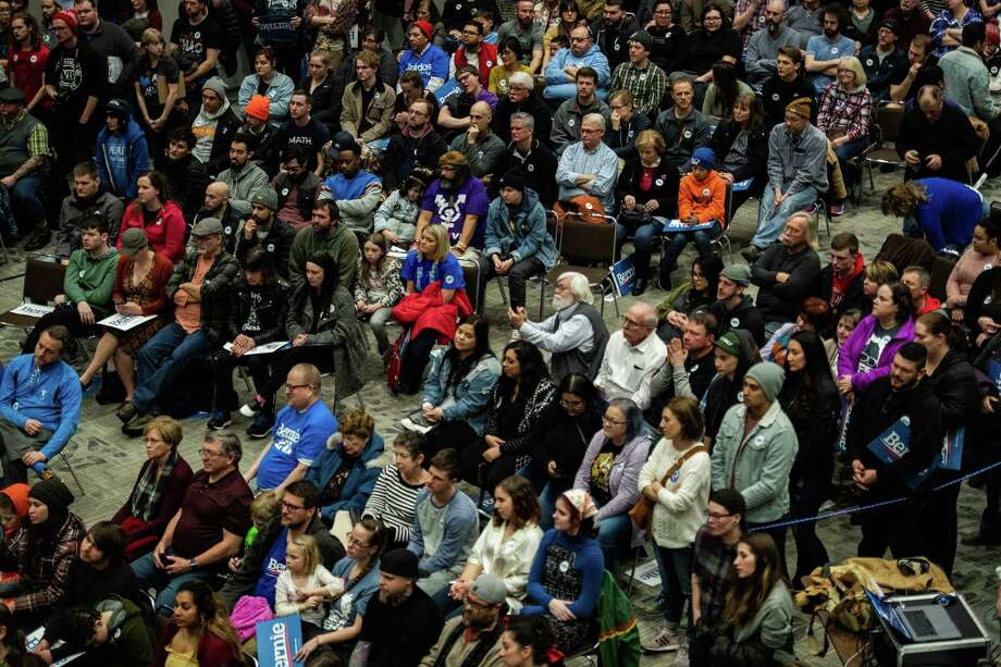 Attendees listen as Sen. Bernie Sanders speaks during a rally in Sioux City, Iowa, on Jan. 26, 2020. Photo: Washington Post Photo By Salwan Georges. / The Washington Post