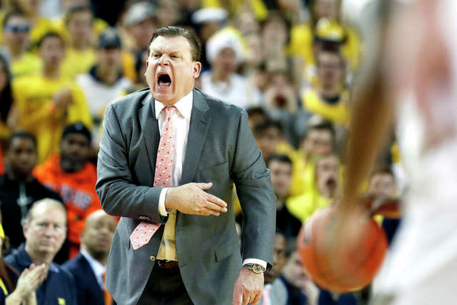 Illinois head coach Brad Underwood shouts from the sideline during Saturday's game against Michigan in Ann Arbor, Mich. Photo: AP Photo