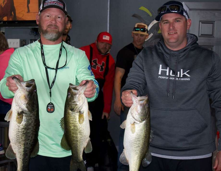 Stephen Shafer and Michael Burks won first place in the CONROEBASS Weekend Series Tournament with a total stringer weight of 20.55 pounds. Photo: Conroe Bass