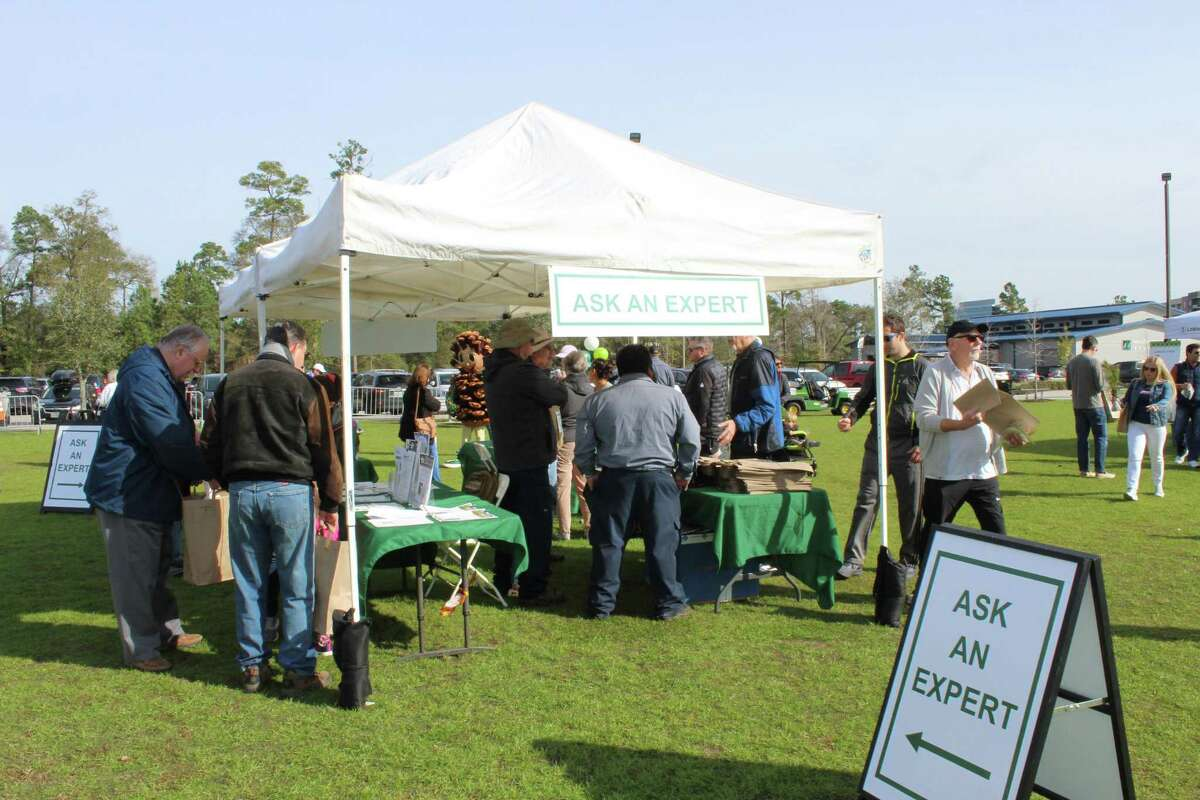 Hundreds of local residents descended on Northshore Park in The Woodlands in January 2020, for The Woodlands Township's Arbor day Tree Give-Away event. Due to the COVID-19 pandemic, officials have decided to cancel the in-person 2021 Arbor Day event hosted at Northshore Park and instead will have a drive-through version with no festivities. It is scheduled for Saturday, Jan. 23, from 9 a.m. to noon at the Sterling Ridge Park and Ride is located at 8001 McBeth Way, The Woodlands.