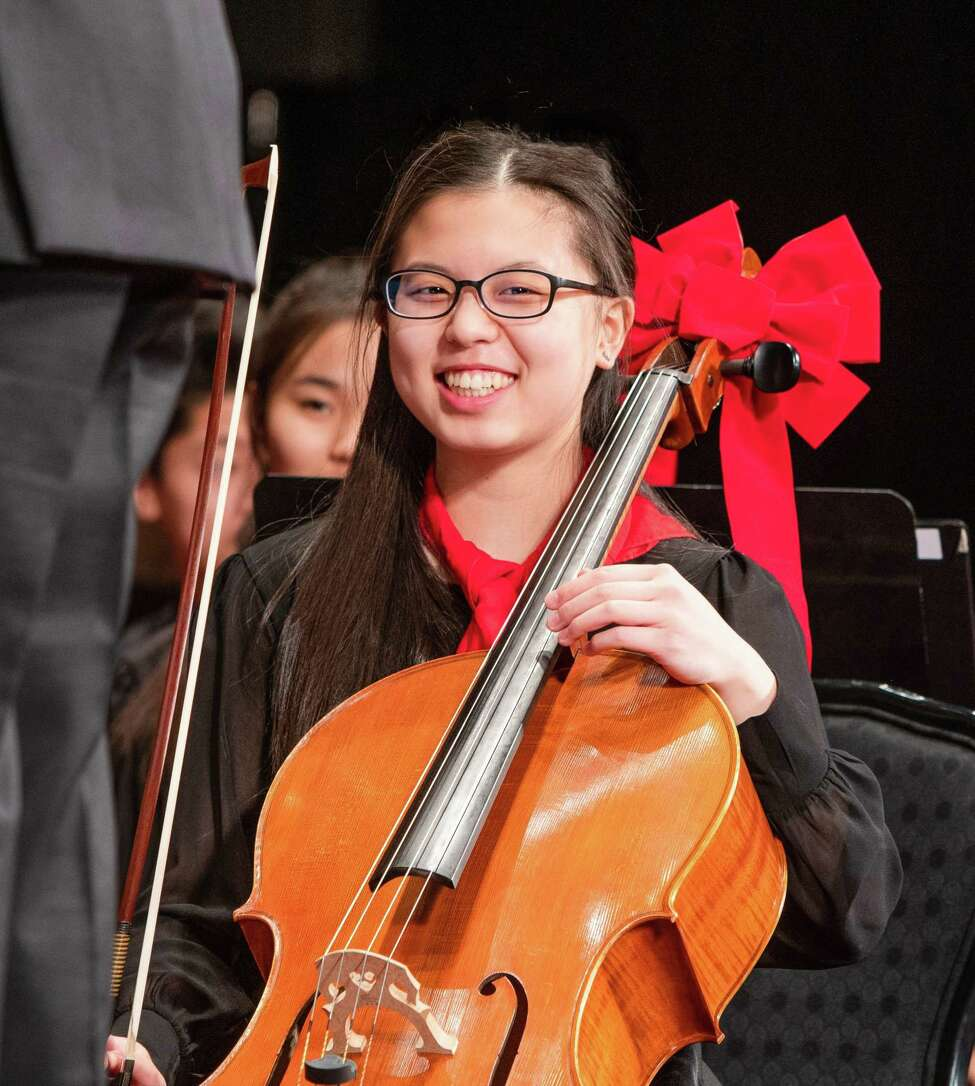 Principal cellist Joyce Cheng (ESYO / photo by Anne-Marie Gorman Doyle)