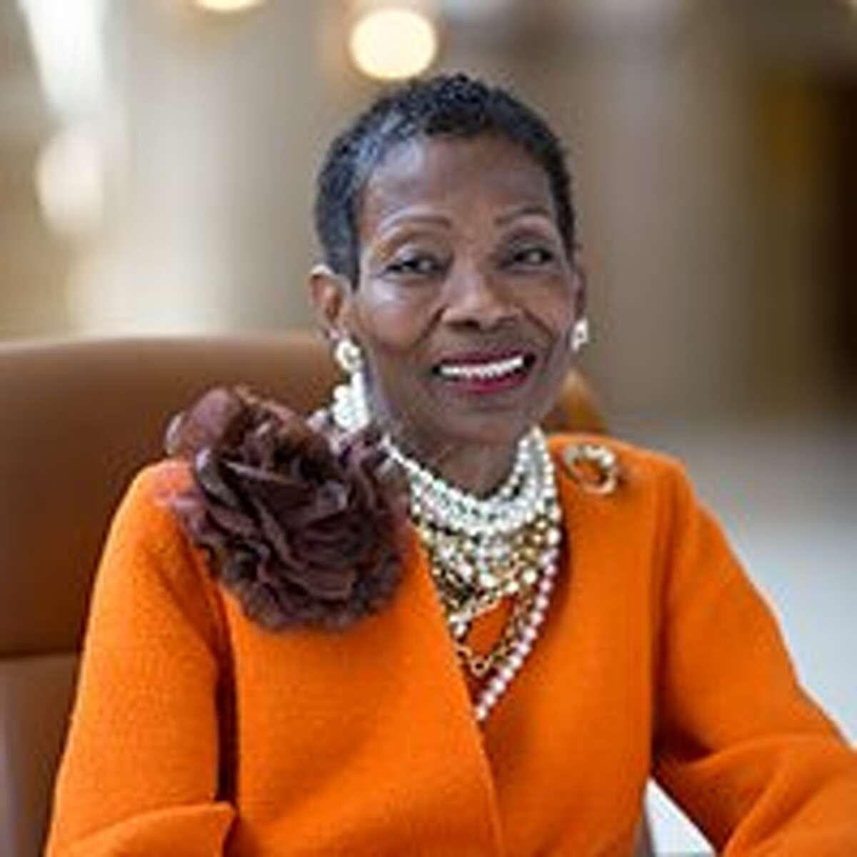 Linda Crayton is an SFO commissioner.