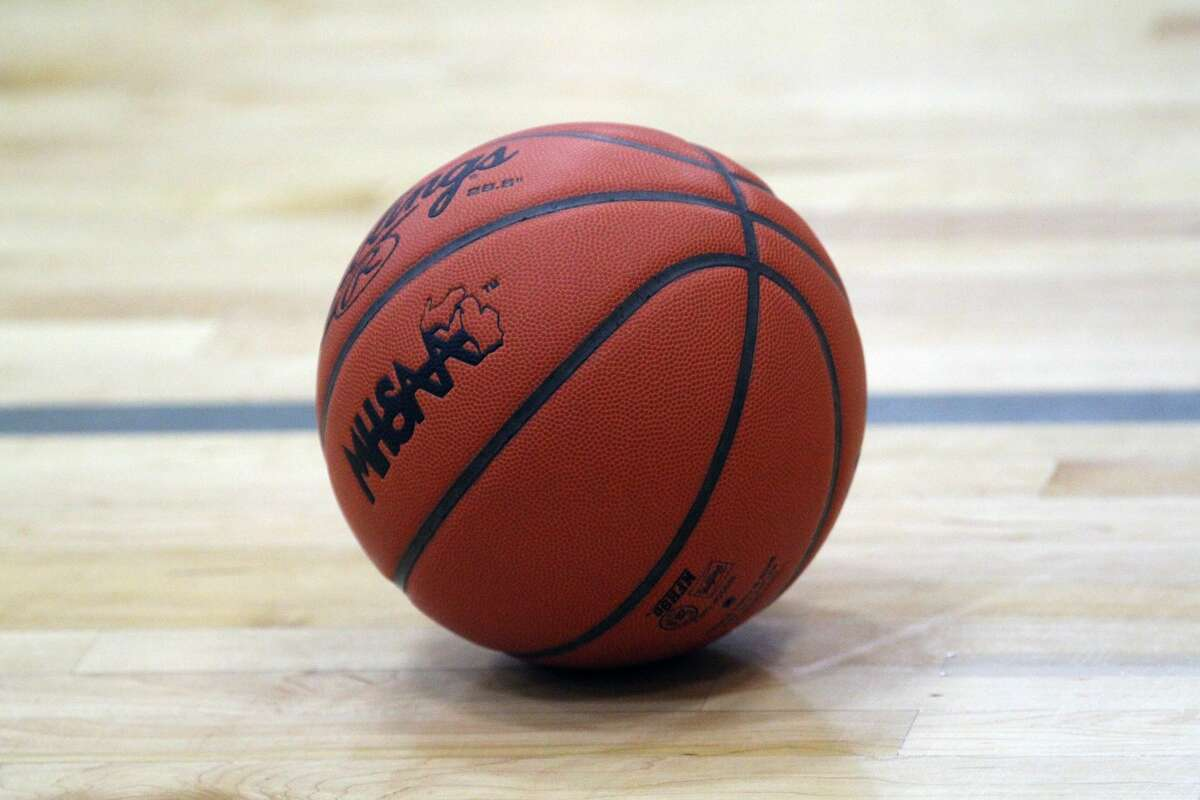 The Ubly varsity girls basketball team got into the win column on Wednesday night as the Bearcats picked up a road victory at Capac. Ubly (1-2) won, 61-12.
