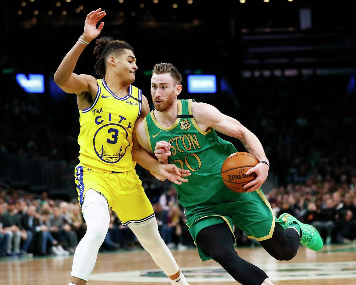 BOSTON, MASSACHUSETTS - JANUARY 30: Gordon Hayward #20 of the Boston Celtics drives to the basket during the third quarter of the game against the Golden State Warriors at TD Garden on January 30, 2020 in Boston, Massachusetts. NOTE TO USER: User expressly acknowledges and agrees that, by downloading and or using this photograph, User is consenting to the terms and conditions of the Getty Images License Agreement. (Photo by Omar Rawlings/Getty Images)