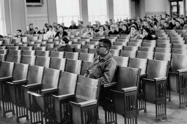 A picture really can express 1,000 words. We have come a long way since 1959, when Louis Cousins sat in the Maury High School auditorium in Virginia. A reader heaps praise on Cousins for a brave life.