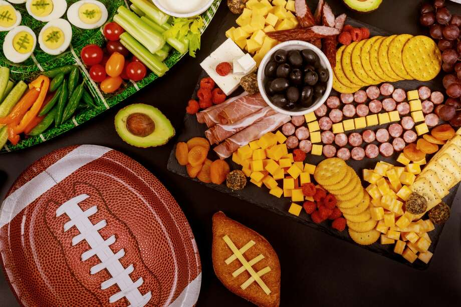 Click through for every state's most-Googled Super Bowl snack. Photo: 500/Getty Images