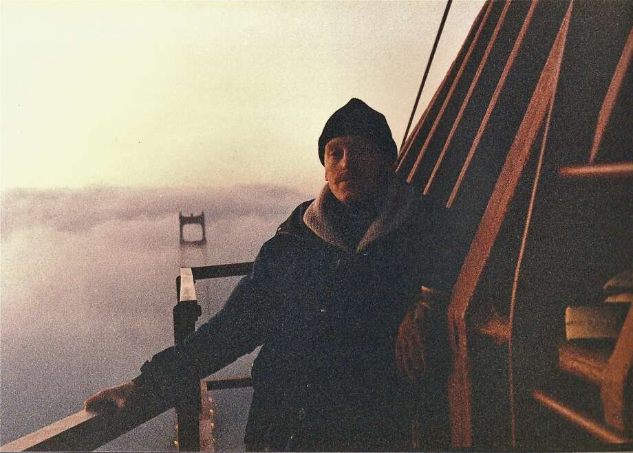 John King and Michael Loftus scaled the Golden Gate Bridge in January 19, 1985 to support the 49ers prior to Super Bowl XIX. Photo: John King