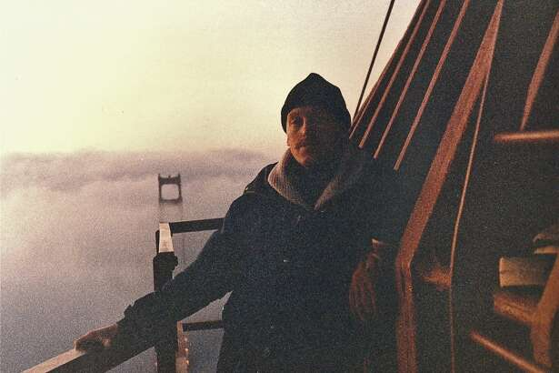 John King and Michael Loftus scaled the Golden Gate Bridge in January 19, 1985 to support the 49ers prior to Super Bowl XIX.
