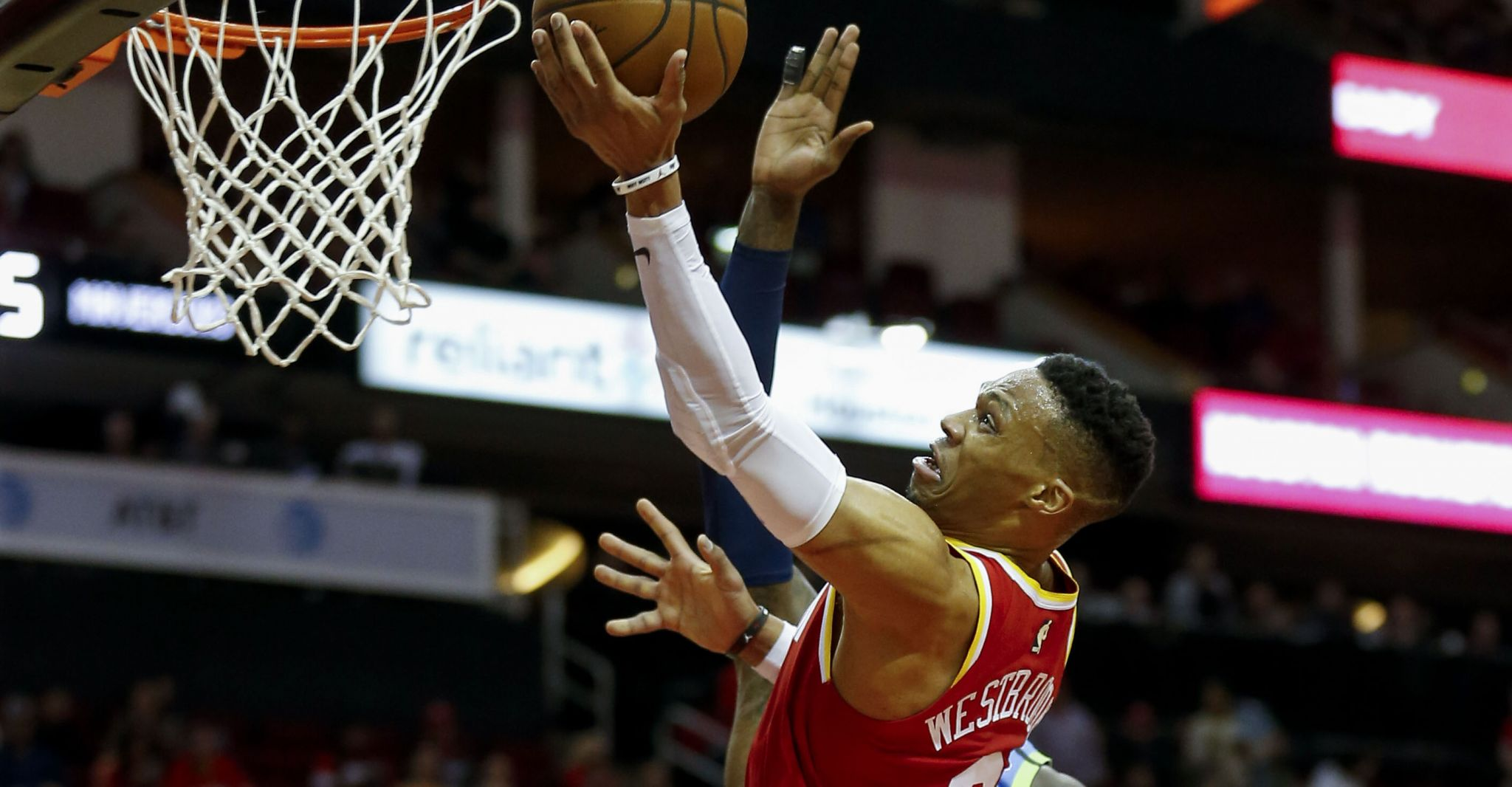 James Harden busts out of slump, Russell Westbrook keeps rolling as Rockets top Mavericks