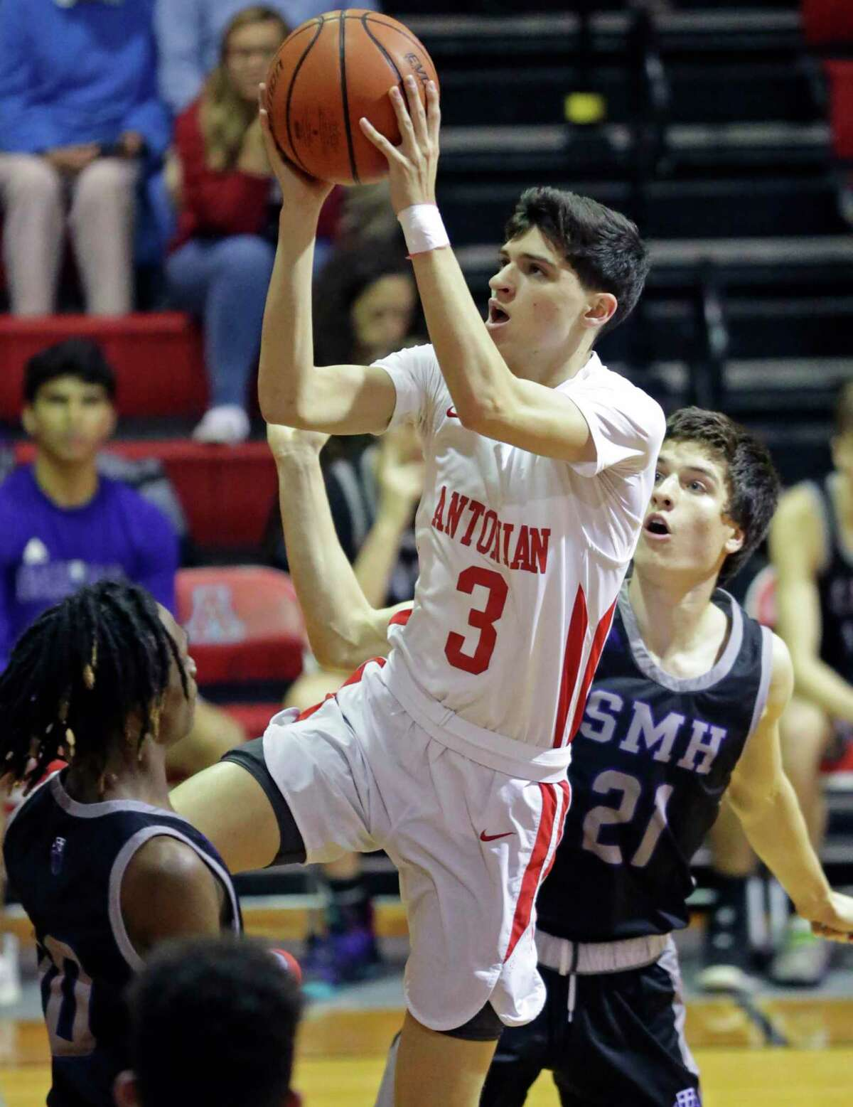 Antonian's Gavino Ramos scored his 2,000th career point in a win over St. Mary's Hall on Tuesday.