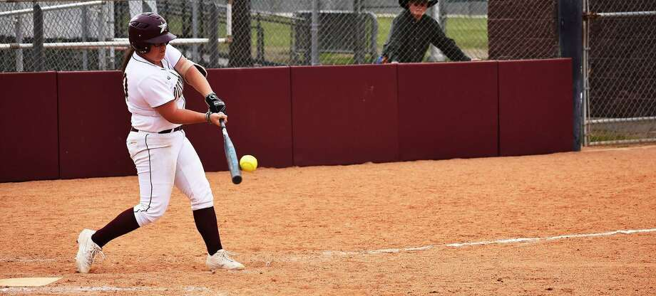Shelby Edwards and TAMIU went 0-2 on the opening day of the season falling 6-3 to Henderson State and 7-6 to Arkansas Tech. Photo: Matthew Balderas /TAMIU Athletics File