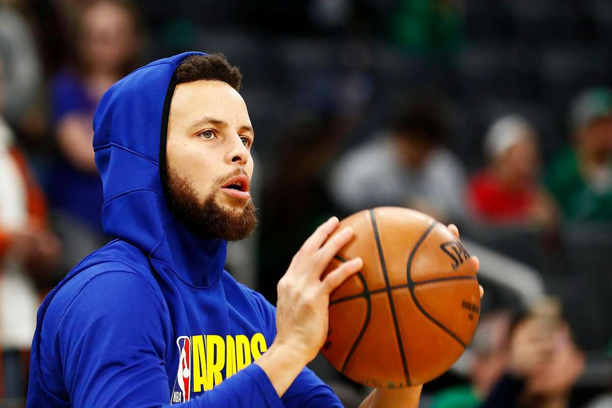 BOSTON, MASSACHUSETTS - JANUARY 30: Stephen Curry #30 of the Golden State Warriors warms up before the game against the Boston Celtics at TD Garden on January 30, 2020 in Boston, Massachusetts. NOTE TO USER: User expressly acknowledges and agrees that, by downloading and or using this photograph, User is consenting to the terms and conditions of the Getty Images License Agreement. (Photo by Omar Rawlings/Getty Images)