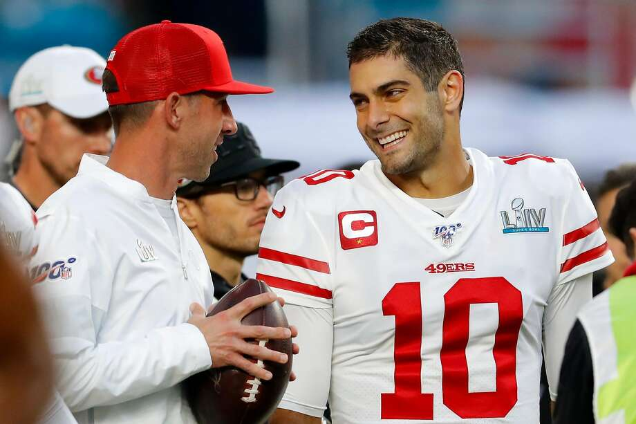 Head coach Kyle Shanahan of the San Francisco 49ers talks with Jimmy Garoppolo #10 prior to Super Bowl LIV against the Kansas City Chiefs at Hard Rock Stadium on February 02, 2020 in Miami, Florida. (Photo by Kevin C. Cox/Getty Images) Photo: Kevin C. Cox / Getty Images
