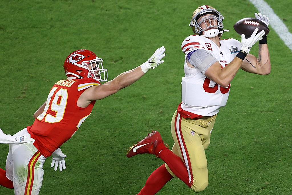 49ers settle for halftime tie after PI call...