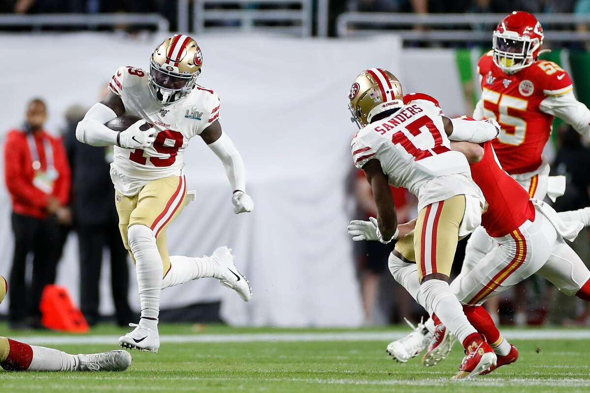 San Francisco 49ers' Deebo Samuel runs for long yardage in the first quarter during Super Bowl LIV between the San Francisco 49ers and the Kansas City Chiefs at Hard Rock Stadium on Sunday, Feb. 2, 2020 in Miami Gardens, Fla.